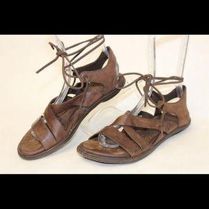 Born Women's Elsa Gladiator Brown Leather Sandals